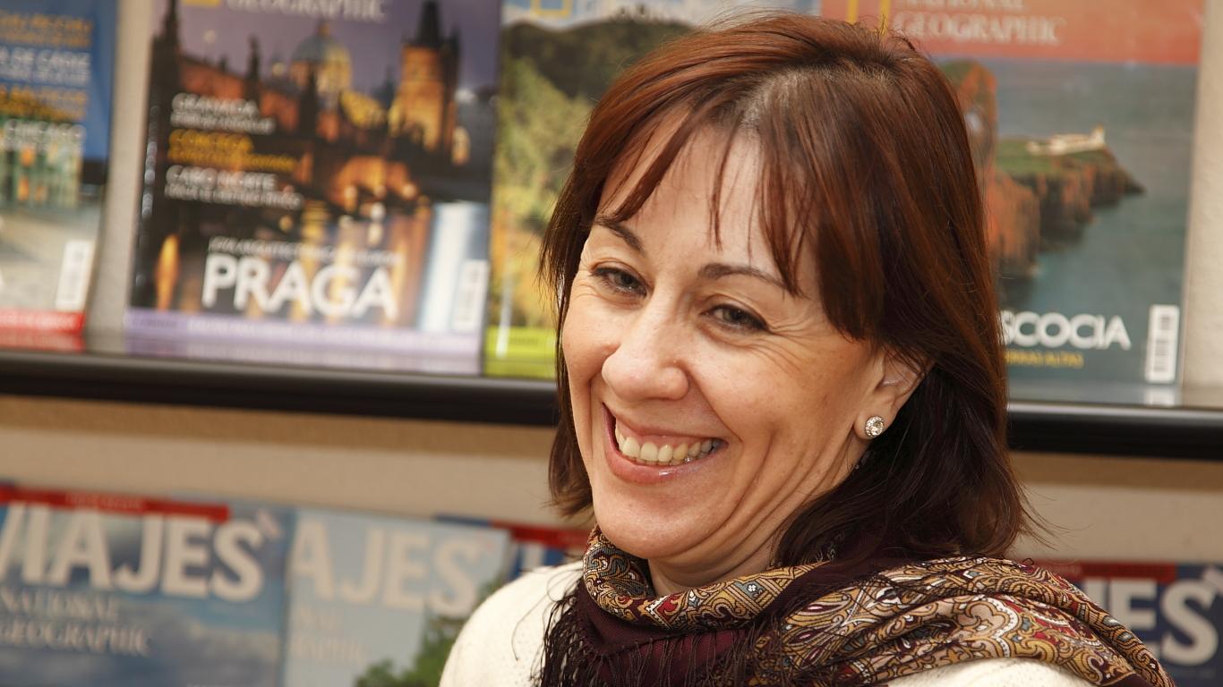 Lola sonriendo en Tilde, escuela de español en Madrid